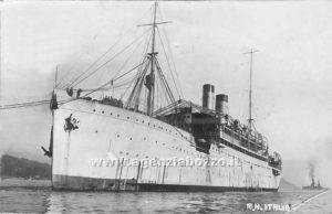 Philip Mechanicus vaart met deze boot van Triëst naar Palestina te varen.